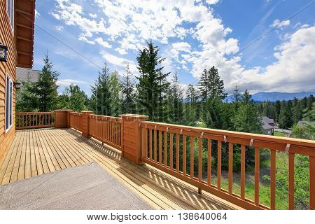 Beautiful Nature View From Large Walkout Deck
