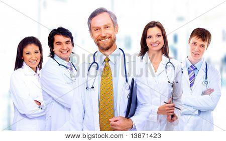 Retrato de grupo de colegas del hospital Unidos de sonreír