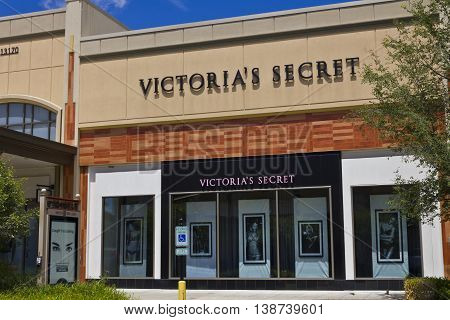 Indianapolis - Circa July 2016: Victoria's Secret Retail Mall Location. Victoria's Secret is the Largest American Retailer of Lingerie III