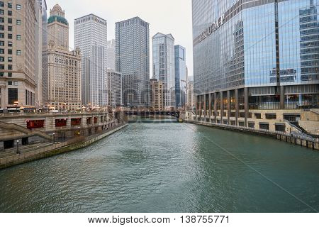 CHICAGO, IL - CIRCA APRIL, 2016: Chicago River in the daytime. The Chicago River is a system of rivers and canals that runs through the city of Chicago, including its center.