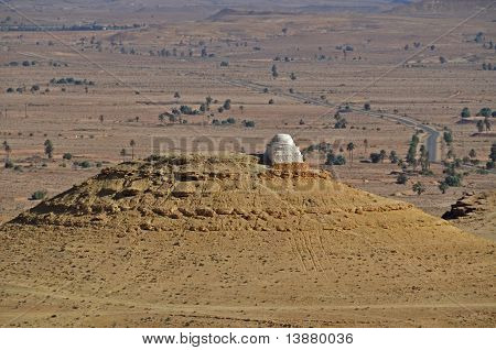 Grave in the desert