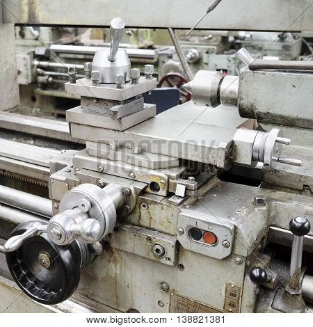 image lathe machine in a workshop