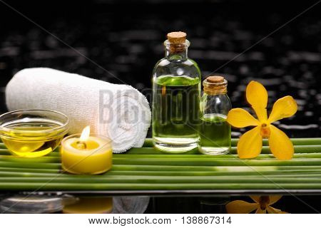 Spa set on long leaf with towel
