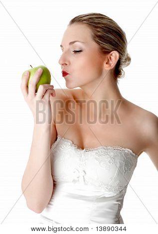 Eve seduces to eat fruit