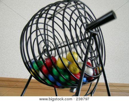 Bingo Balls, Spinning