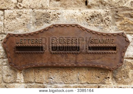 Caixa de parede italiano