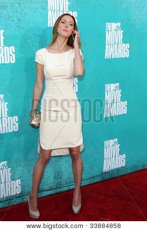 LOS ANGELES - JUN 3:  Eva Amurri Martino arriving at the 2012 MTV Movie Awards at Gibson Ampitheater on June 3, 2012 in Los Angeles, CA