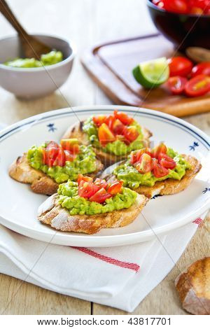 Crostini With Avocado And Tomato