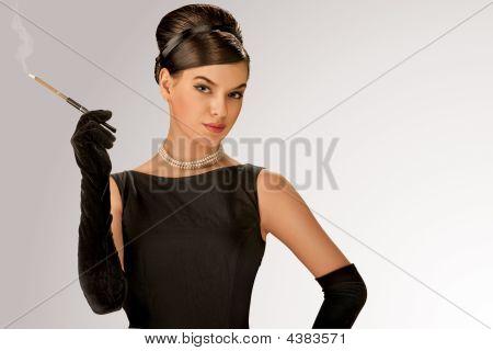 con estilo Retro mujer fumar