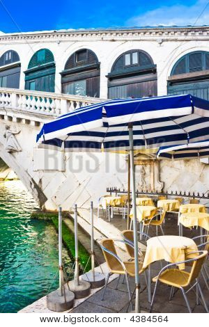 A Cafe Near Bridge Rialto In Venice