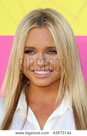 LOS ANGELES - MAR 23:  Alli Simpson arrives at Nickelodeon's 26th Annual Kids' Choice Awards at the USC Galen Center on March 23, 2013 in Los Angeles, CA