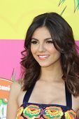 LOS ANGELES - MAR 23:  Victoria Justice arrives at Nickelodeon's 26th Annual Kids' Choice Awards at