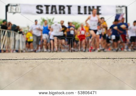 Marathon, starting line, shallow depth of field
