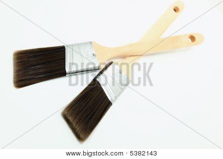 Limpar os pincéis de pintura nova