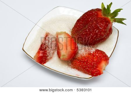 Big Juicy Strawberries In Sugar On A Plate