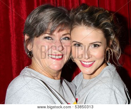 LOS ANGELES - OCT 6:  Char Griggs, Linsey Godfrey at the Light The Night The Walk to benefit the Leukemia-Lymphoma Society at Sunset-Gower Studios on October 6, 2013 in Los Angeles, CA