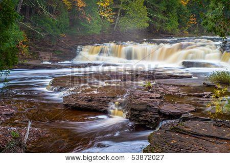 Nawadaha Falls, Autumn