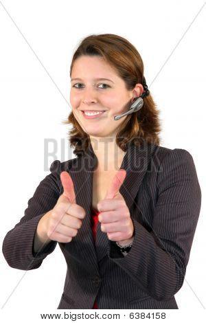 agente de centro de chamada bela posando com os polegares acima sinal