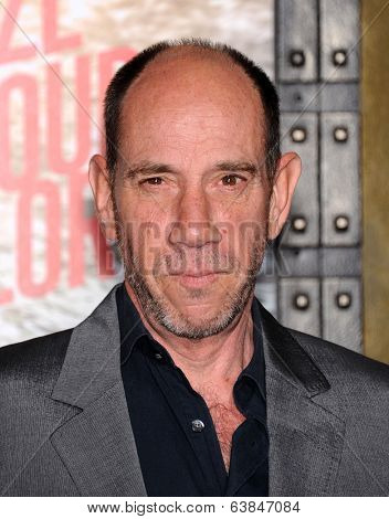 LOS ANGELES - MAR 04:  Miguel Ferrer arrives to the