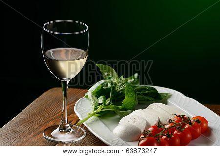 White Wine & Caprese