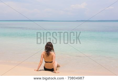 Woman on the beach, Panama