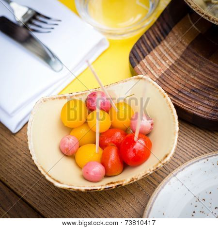 Marinated Tomatoes And Eatberries