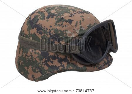 Us Marines Kevlar Helmet With Camouflage Cover And Protective Goggles