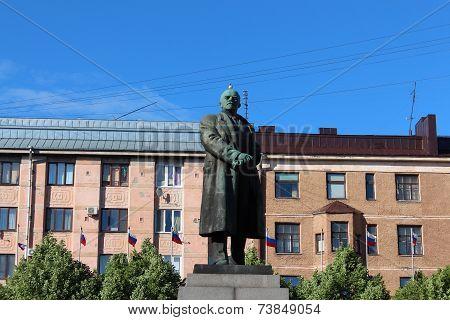 Monument to V. I. Lenin on Red Square in Vyborg.