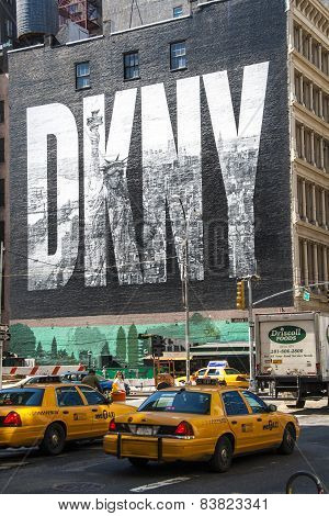 New York City, Usa - May 17: 2008.iconic Dkny Ad On Houston Street