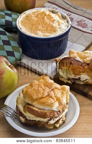 Bread Pudding With Apples Czech Or German Style (zemlovka / Semmelauflauf)