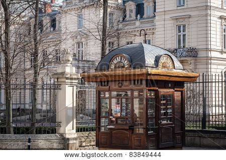 Lviv, Ukraine - February 22, 2015 Lviv Architecture With Otdoor Press Kiosk