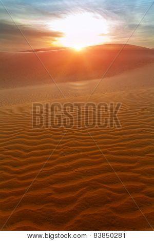 Sun, The Dunes