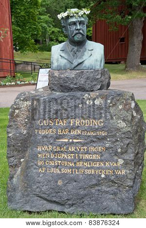 Statue of Swedish poet Gustaf Fröding