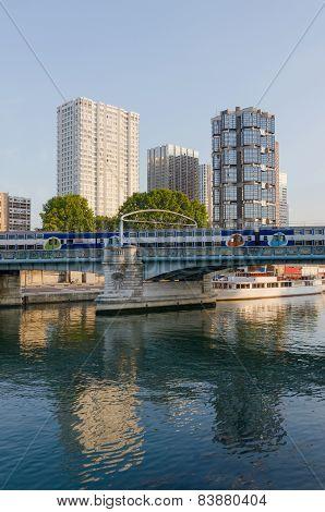 Modern Buildings Paris