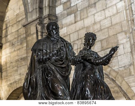 statue of queen Catherine de Medicis in  basilica of saint-denis