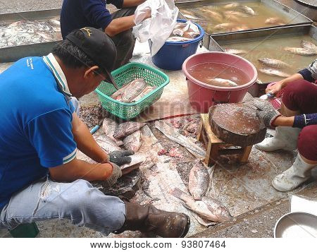 Unknown Man Sell Fresh Fish In Market Of Phayao