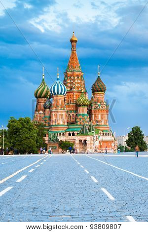 f Saint Basil's Cathedral on the Red Square at sunset