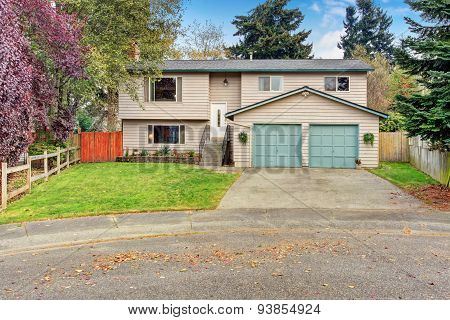 Traditional Northwest House With Garage.