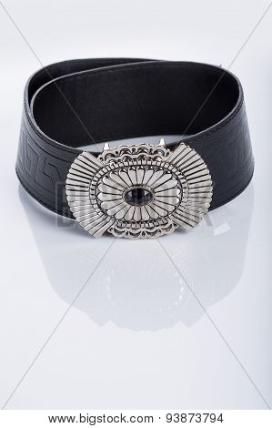 Black Women's belt with a metal buckle