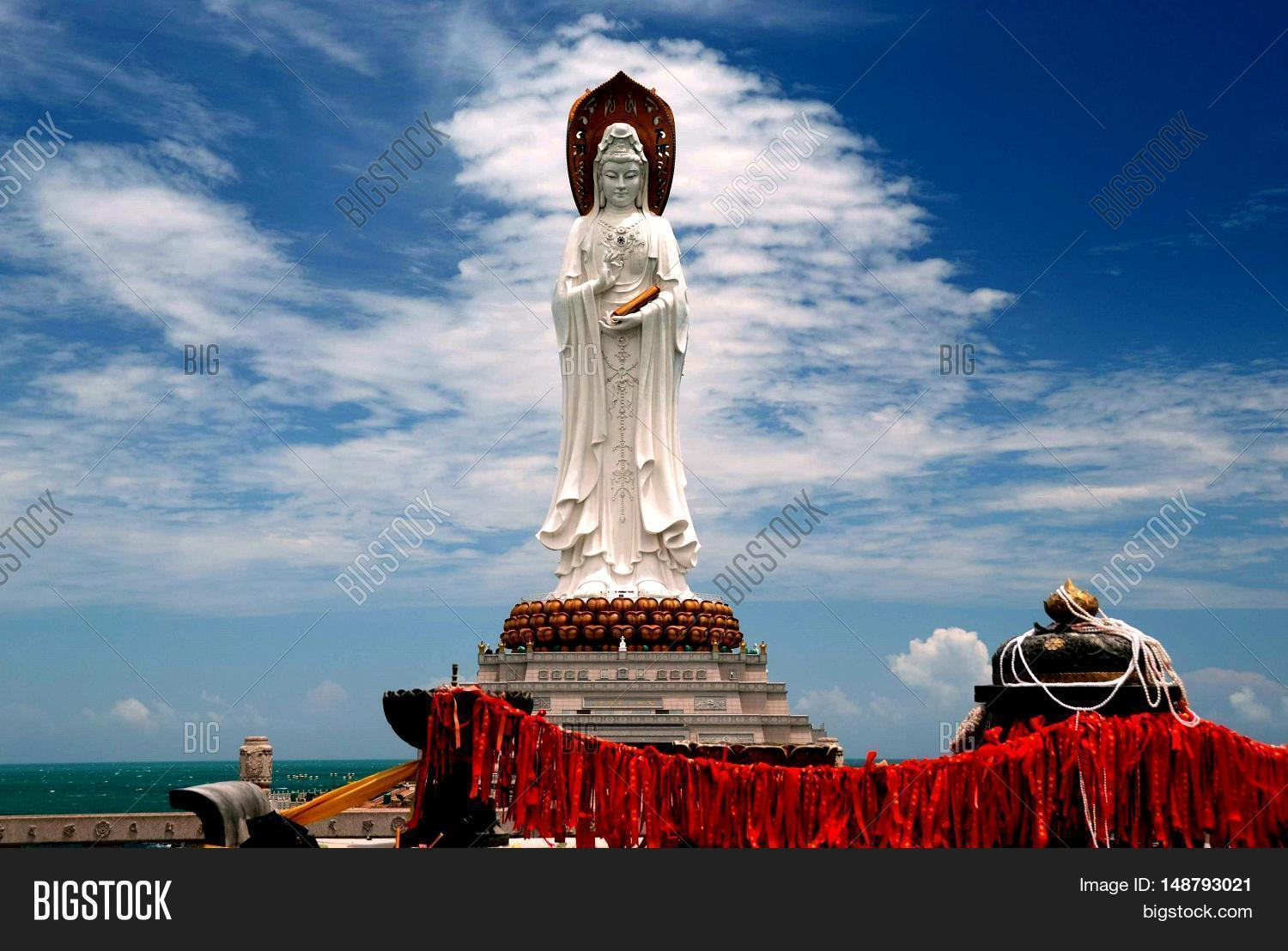 buddhist single men in sullivans island Green singles dating site members are open-minded, liberal and conscious dating for vegans, vegetarians, environmentalists and animal rights activists.