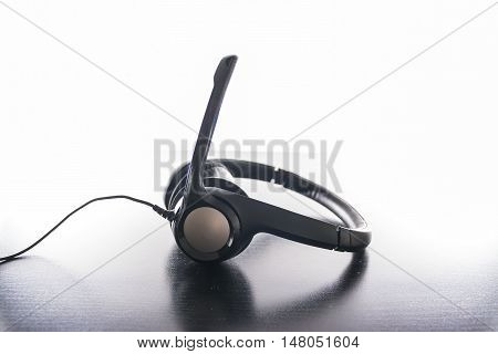 Headset Headphones Padded Ergonomic Black Plastic Modern Bright Work Desk