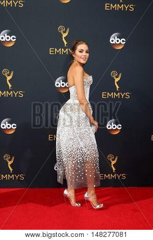 LOS ANGELES - SEP 18:  Olivia Culpo at the 2016 Primetime Emmy Awards - Arrivals at the Microsoft Theater on September 18, 2016 in Los Angeles, CA