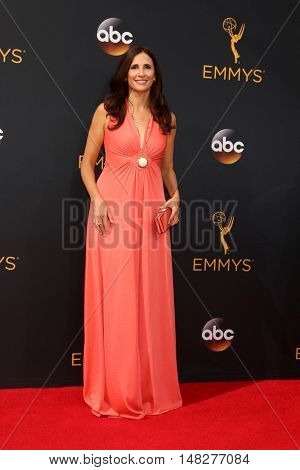 LOS ANGELES - SEP 18:  Michaela Watkins at the 2016 Primetime Emmy Awards - Arrivals at the Microsoft Theater on September 18, 2016 in Los Angeles, CA