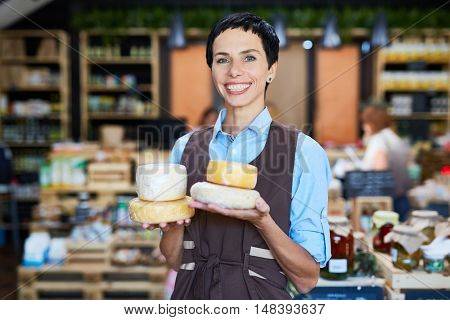 Assistant with cheese