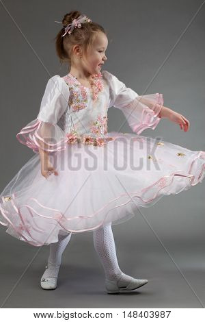 Cute Little Girl Dance.