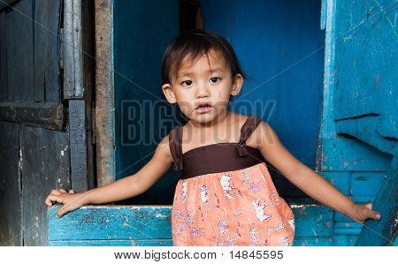 Junge Mädchen, die In Armut leben