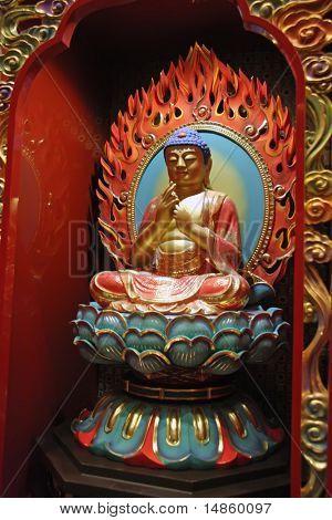 Goldene Buddha-Statue in einen chinesischen Tempel