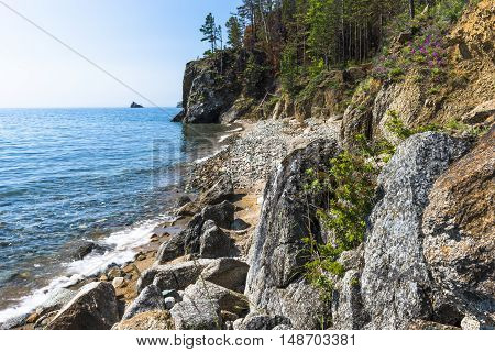 In some places difficult to pass along the shore of lake Baikal, as the coast littered with huge boulders.