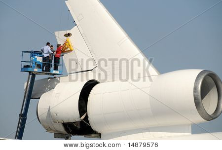Airplane Rudder Removal