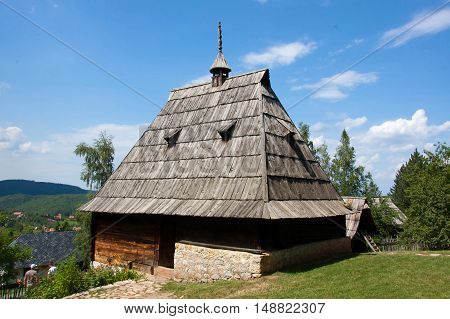 The main house is from 1882. It belonged to the Lazović family from village Alin Potok. This is the largest and best-built facility in a house hold. house always has two separated rooms: kitchen (also called house) and room. Food for numerous familly has